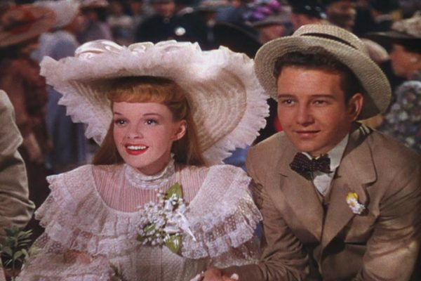 judy garland will break your heart when she sings have yourself a merry little christmas to her six year old co star margaret obrien - Judy Garland Have Yourself A Merry Little Christmas Movie